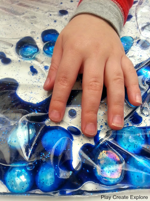 oil and water sensory bag for babies